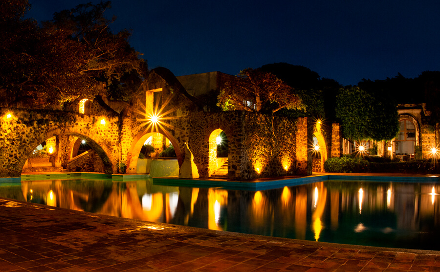 Hacienda Cocoyoc nocturna